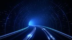 Ein blauer Tunnel symbolisiert die Datenautobahn.