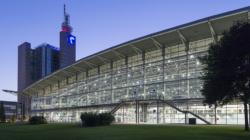 Das Themenbild Hannovermesse zeigt die Messehalle Hannover.