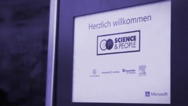 Schild mit dem Schriftzug Science&People